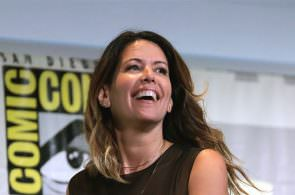 Patty Jenkins is back to direct Wonder Woman sequel
